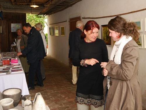 Ina Rösner (vorn links), Keramikerin